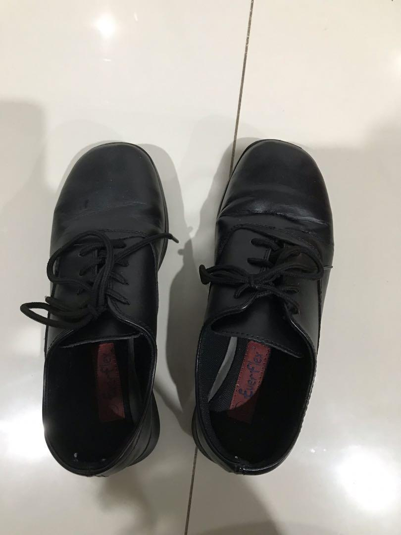 used leather lace up work shoes