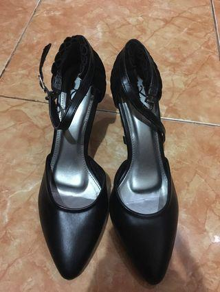 Black Heels Bermerek Like New
