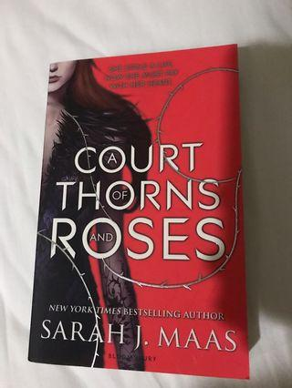 🚚 A Court of Thorns and Roses by Sarah J. Maas