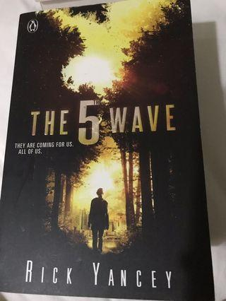 🚚 The 5th Wave by Rick Yancey