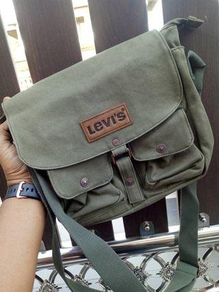 Levis Strauss Sling Bag (100% ORIGINAL💯)