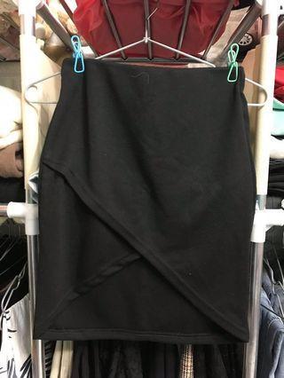 🚚 顯瘦修身短裙