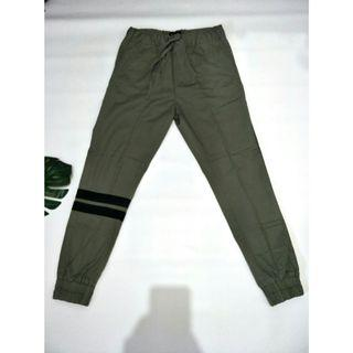 NETT Jogger green army like new