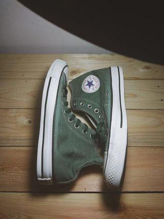 Converse hi wash green.