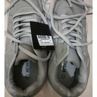 Sepatu / shoes fashion sporty- nomer 37