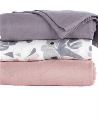 BNIP Tula Carry Me Blanket - Purple Solid