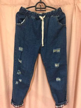 Jogger ripped jeans ( ALL SIZE FIT TO XL)