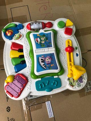 🚚 Vtech Activity Play table
