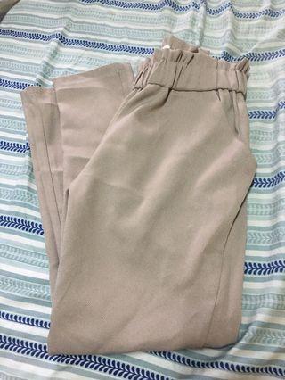 🚚 奶茶色 腰部彈性花苞 OL西裝褲 套裝褲 花倫褲