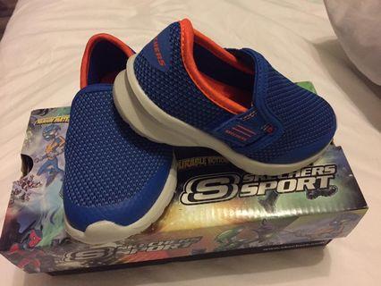 Brand new Skechers shoe (US 6/EUR 22.5)