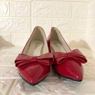 NEW Ribbon red heels size 38