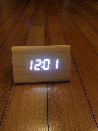 Digital wooden table clock