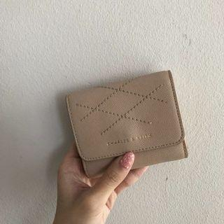 🚚 Charles & Keith Small stitch wallet