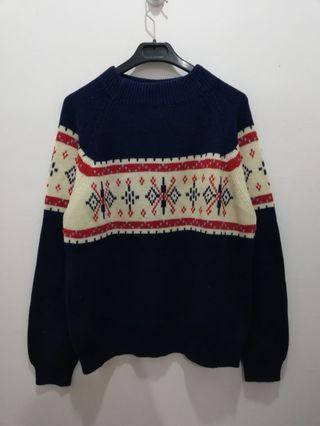 Vtg JC Penny Cream and Blue Knitwear