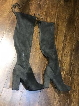 Knee high boots BNWT Size 7