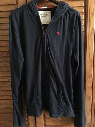 🚚 Abercrombie & Fitch 深藍輕巧薄型外套L