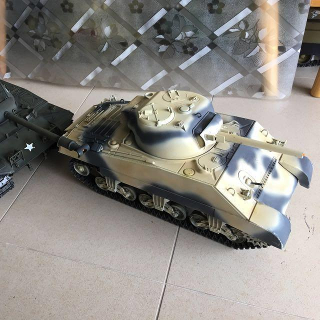 1/16 Sherman & Bulldog Heng Long tanks Tamiya Battle System
