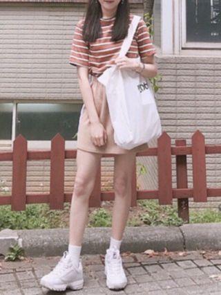 🚚 正韓卡其裙側邊線條短裙