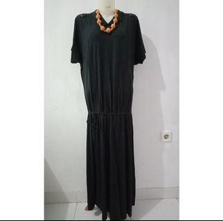 Black dress import