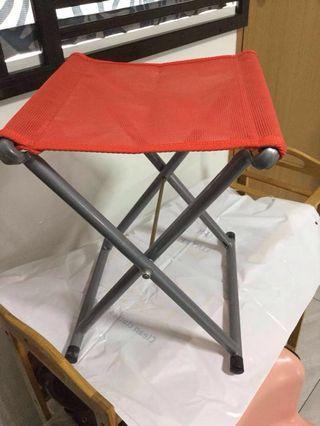 精巧可折叠坐椅 foldable stool