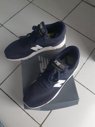 Jual sepatu baru dipake 2 kali original #BAPAU