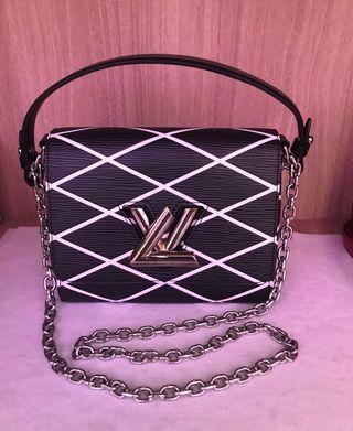 Lv Twist pm Epi Leather black
