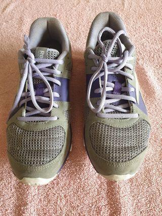 🚚 Rubber shoes