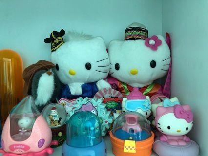 🚚 Hello Kitty toys and others