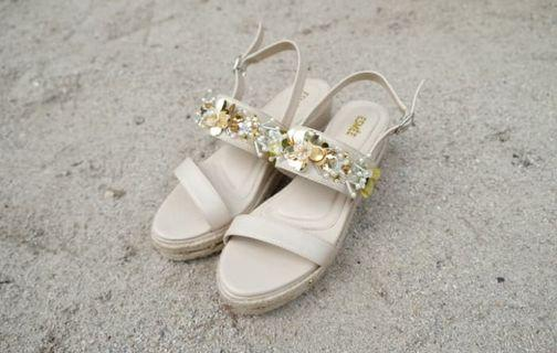 Esmee platform sandals