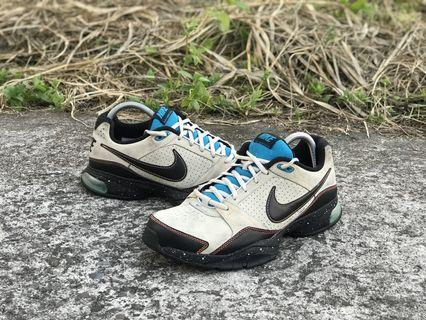 Nike air competer