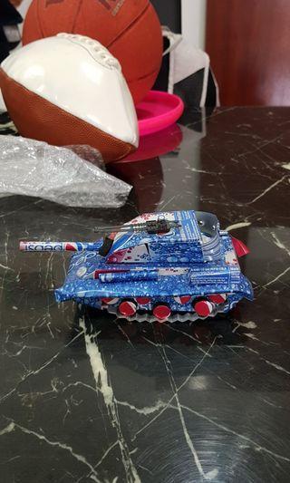 Aluminium can toy military tank