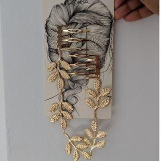 Lovisa Golden Leaf Hair Accessory