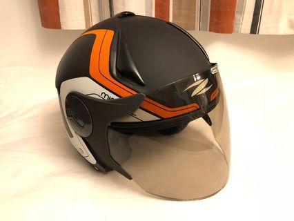 ZEUS瑞獅頭盔 (用不多過5次)