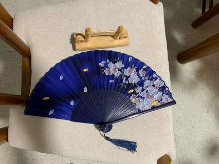🚚 Traditional Fan