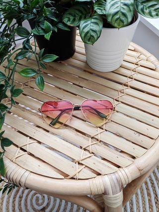 Heart 70s 90s sunglasses sunnies hippies costume Coachella