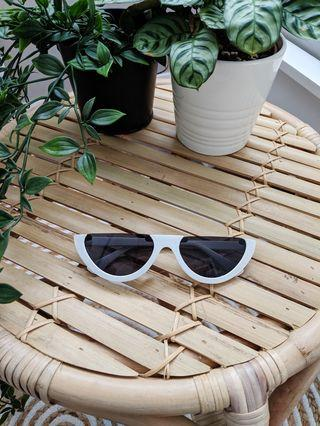 White sunglasses sunnies festival Coachella streetwear fashion