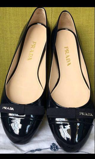 🚚 [ [ [ S O L D ] ] ] Authentic Prada Flats