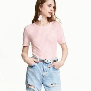 H&M pink ribbed top