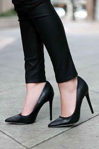 Black pumps for office or casual