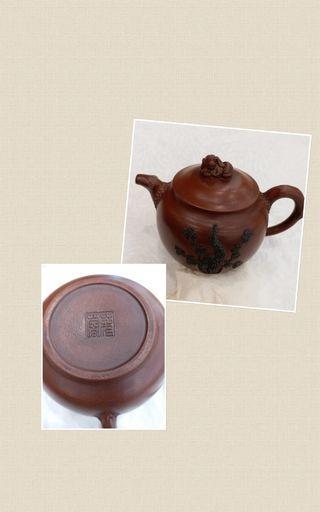 紫砂茶壺老嘅紫砂壺係名家嘅。每個二萬起