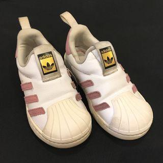 🚚 愛迪達女童球鞋