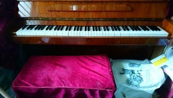 Hero牌鋼琴