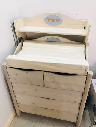 🚚 Chest Of Drawers