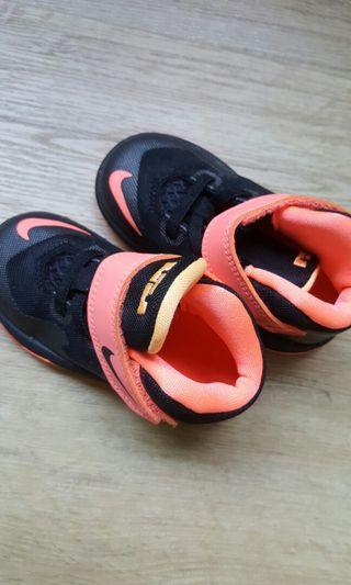🚚 Kids / toddlers / baby nike sport shoes