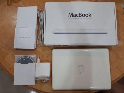 Macbook (white) intel core 2 duo/2.26 GHz/4Gb/256mb