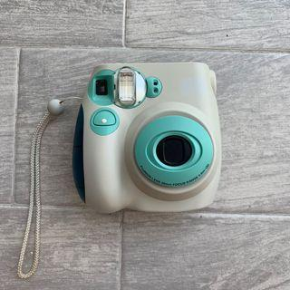 🚚 instax mini 7 Polaroid Camera