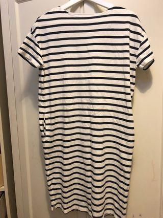 Muji Cotton T-Shirt striped dress with pockets. New . Never wore . Loose cut .Suitable for size Xs- S . Bust : 44cm . Length : 90cm
