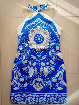 Blue ceramic cheongsam