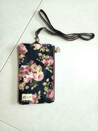 Uma Hana Taiwan Clutches/wallet