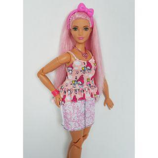 Barbie Curvy Made To Move Pink Hair